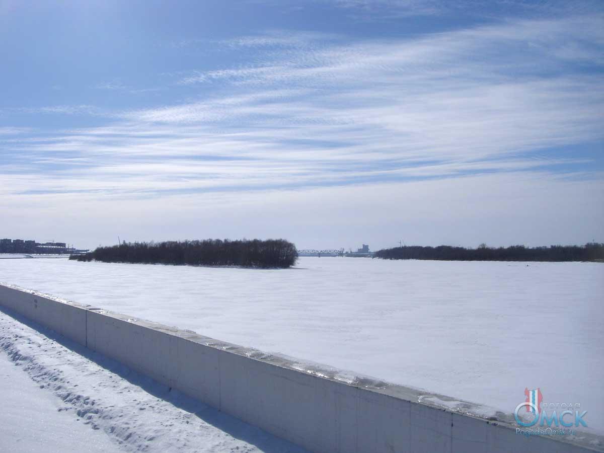 Зимой на Иртышской набережной