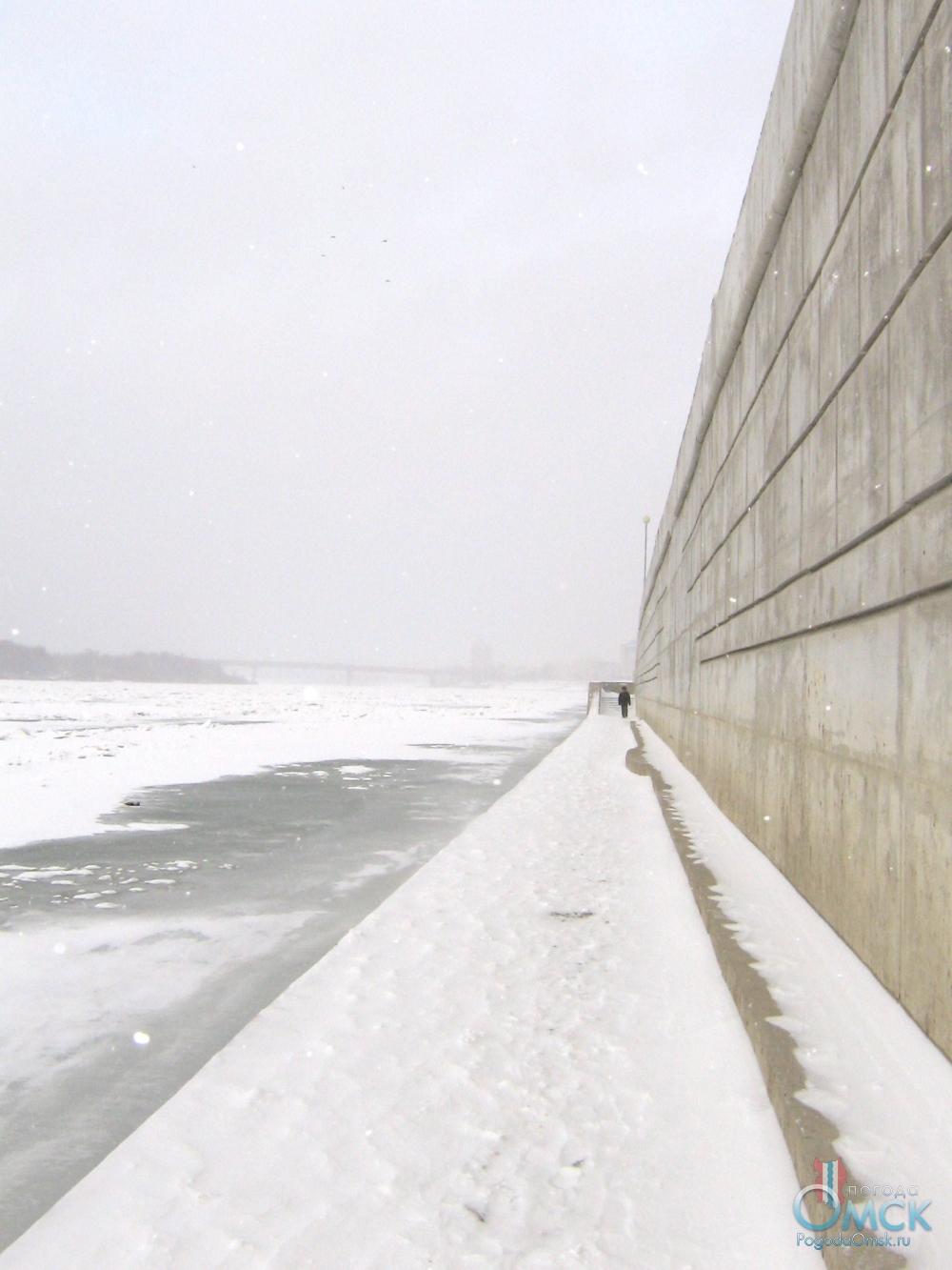 На Иртыше встал лед