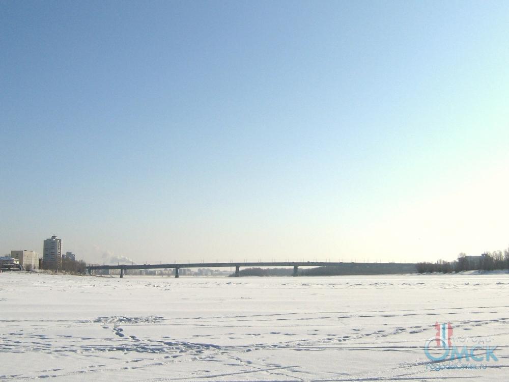 Солнечный февраль, вид на Иртыш