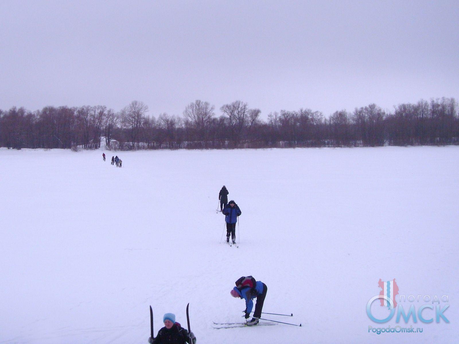 Лыжники на Иртыше