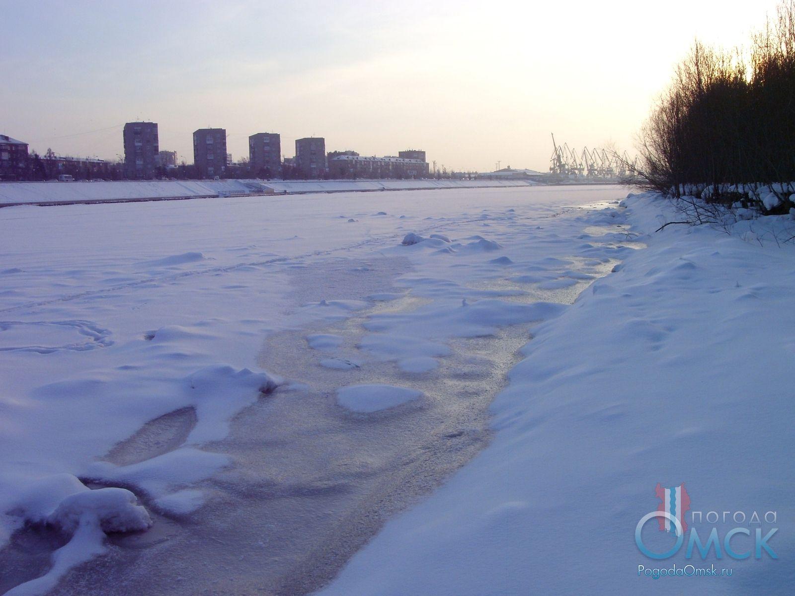 Проталина на льду