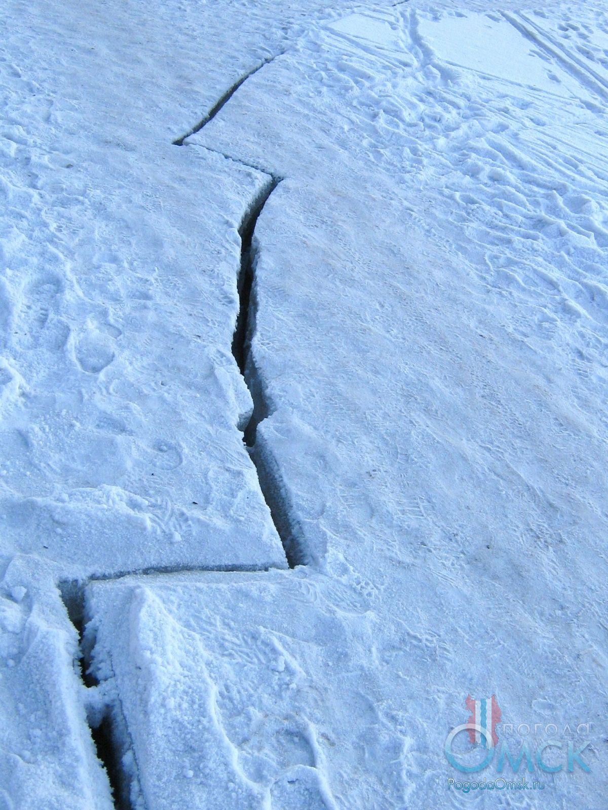Трещина на льду