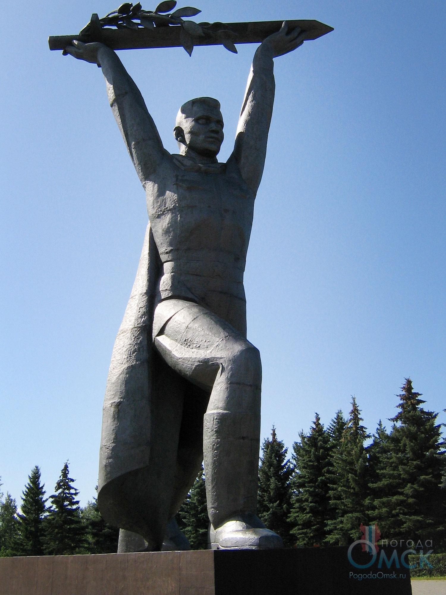 Солдат-Победитель в парке Победы