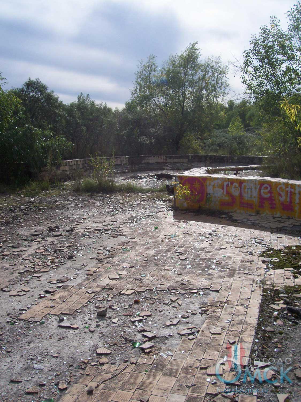Декоративный бассейн Ручеёк
